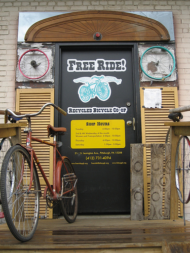Donate Bikes In Pittsburgh volunteer donate